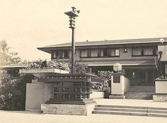 The Geneva Inn, Lake Geneva, Wisconsin, 1911. demolished in 1970 after a fire. Frank Lloyd Wright