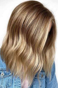 Fresh And Shine Dark Blonde ? Try out our stunning ideas of dark blonde hair and get inspiration for great changes and new life to slay in the New Year of ? Dark Blonde Hair Color, Medium Blonde Hair, Blonde Hair Looks, Blond Ombre, Dark Hair With Highlights, Platinum Blonde Hair, Ombre Hair Color, Blonde Balayage, Summer Highlights