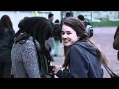 ▶ LES INJURES - Agir contre le harcèlement à l'école - YouTube