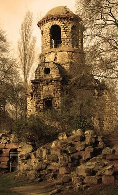 Sepia Almost seems like a part of Cair Paravel. Architecture Old, Amazing Architecture, Chronicles Of Narnia, Medieval Castle, Color Shades, Abandoned Places, Great Photos, Scenery, Fantasy