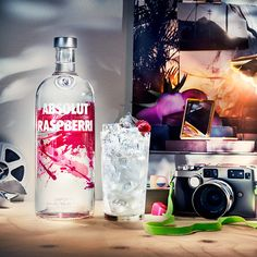 The taste of Absolut Raspberri is rich and intense, revealing the fresh and fruity character of ripened raspberries.