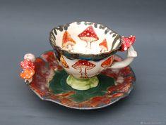 A couple of tea Mushroom Tea, Painted Cups, Sculpture, Vases Decor, Fungi, Alice In Wonderland, Tea Time, Tea Party, Stuffed Mushrooms