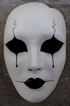 Pierrot Maskerade Maske – halloween ideas - To Have a Nice Day Maske Halloween, Halloween Masks, Halloween Makeup, Halloween Ideas, Mascaras Halloween, Ceramic Mask, Mask Drawing, Mask Painting, China Painting