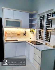 Kitchen set minimalis, terbuat dari Blokboard Melamin Finishing hpl putih, dan granit carara. Kitchen Sets, Kitchen Cabinets, Home Decor, Diy Kitchen Appliances, Decoration Home, Room Decor, Cabinets, Home Interior Design, Dressers