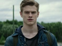 X-Men's Lucas Till fashions a role out of a toothpick and an old slopsink in the upcoming MacGyver reboot. Macgyver Tv Series, Angus Macgyver, Macgyver 2016, Lucas Till Macgyver, Ray Stevenson, Blake Steven, Avatar, Cw Series, Manish