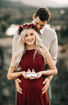 Ideas Photography Poses Couples Maternity Dresses For 2019 - Schwangerschaftsfotos Poses Pour Photoshoot, Couple Pregnancy Photoshoot, Outdoor Maternity Photos, Maternity Photography Outdoors, Maternity Poses, Couple Photography Poses, Maternity Pictures, Maternity Dresses, Friend Photography