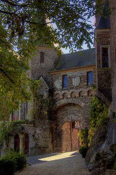 Reichsburg Castle, Germanyphoto via susanne