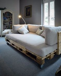 wooden pallet furniture projects made easy . 50 wooden pallet furniture projects made easy . 50 wooden pallet furniture projects made easy . Diy Furniture Making, Furniture Projects, Furniture Design, Cheap Furniture, Furniture Plans, Modern Furniture, Discount Furniture, Furniture Removal, Outdoor Furniture