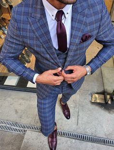 Slim Fit Tuxedo, Slim Fit Suits, Stylish Suit, Stylish Mens Outfits, Mens Fashion Suits, Mens Suits, Pink Suit Men, Business Casual Suit, Tuxedo Colors