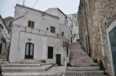 Monte Sant'Angelo, Foggia, Gargano, Puglia, Italia, #mygargano http://www.sphimmstrip.com/2014/04/itinerario-di-visita-nel-gargano-puglia-mygargano.html?m=1