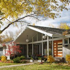 Exterior 70s style house Design Ideas, Pictures, Remodel and Decor