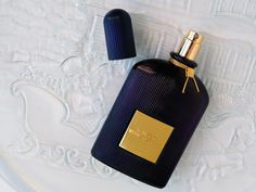 Holiday and Winter Fragrances #giftguide #giftideas #perfume #fragrance #scents