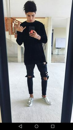 Mathias Sellanes   Pinterest:viane22 Urban Fashion, Mens Fashion, Boy Photos, Youtubers, Black Jeans, Hipster, Sporty, Boys, Pants