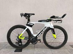 L'image contient peut-être : vélo et plein air
