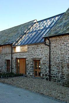 Inspiration rénovation grange à la campagne, magnifique ce toit en verre pour faire passer a lumière