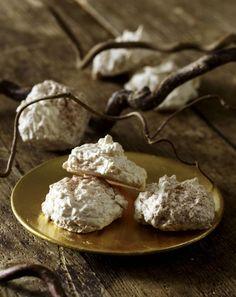 Unser beliebtes Rezept für Kokosmakronen und mehr als 55.000 weitere kostenlose Rezepte auf LECKER.de.