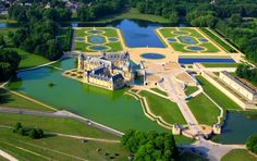 The Château de Chantilly is a historic château located in the town of Chantilly, France. Large park of 115 hectares designed by Le Nôtre for the Grand Condé at the end of the seventeenth century. It comprises two attached buildings; the Grand Château, destroyed during the French Revolution and rebuilt in the 1870s, and the Petit Château which was built around 1560 for Anne de Montmorency.