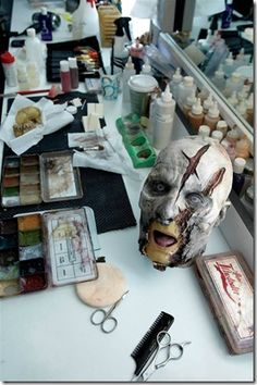 Halloween disguise as shocking cool horrible walking dead zombie makeup special effect (18)