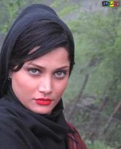 https://flic.kr/p/9PdwfS | Persian Girl with Beautiful Eyes! | Persian girl with the most beautiful eyes  streets of Iran: Iranian beauty  Tehran Iran