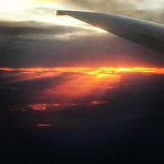 Ibland är det nästan overkligt vackert ovan molnen. #sas70