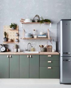 Green kitchen cabinets make us feel comfortable. Nature's dominant color, green has a soothing result. Green kitchen cabinets design make us feel comfortable. Nature's dominant color, green has a soothing result on your cooking area. Green Kitchen Cabinets, Wall Cupboards, Kitchen Cabinet Design, Diy Kitchen, Kitchen Interior, Kitchen Dining, Kitchen Decor, Kitchen Ideas, Kitchen Pegboard