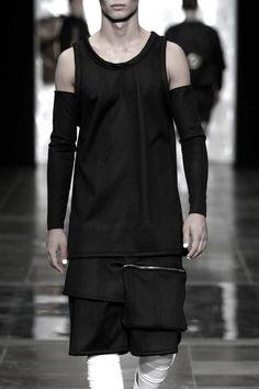 Curated by CAROLINE DAILY PARIS. Unisex Fashion, Urban Fashion, Boy Fashion, Mens Fashion, Fashion Outfits, Fashion Design, Fashion Trends, Fashion Vest, Fashion Ideas