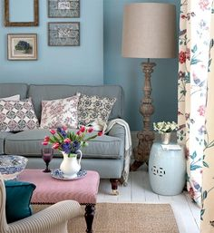 Read our article to get most awesome ideas and tips&tricks for blue rooms. New Living Room, Home And Living, Living Room Decor, Duck Egg Blue Living Room, Cozy Living, Decoration Shabby, Blue Rooms, Living Room Inspiration, Room Colors