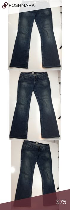 True Religion Boot Cut Rhinestone Size 31 jeans True Religion Boot Cut Rhinestone Size 31 jeans True Religion Jeans Boot Cut