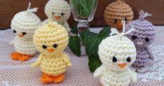 Jag har gjort en liiten kyckling som man kan både ställa på bordet och hänga i sitt påskris. Kycklingarna är virkade i både Tilda garn oc... Yoshi, Knit Crochet, Dinosaur Stuffed Animal, Projects To Try, Knitting, Toys, Beide, Character, Crocheting