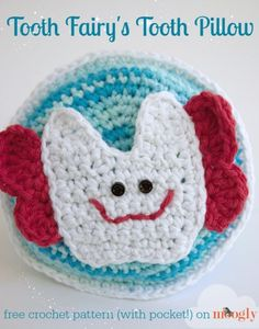 Tooth Fairy's Tooth Pillow - free #crochet pattern on Mooglyblog.com! Perfect for girls and boys - complete with pocket!