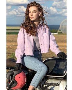 Turkish Women Beautiful, Turkish Men, Turkish Beauty, Turkish Actors, Elcin Sangu, Biker Girl, Celebs, Celebrities, Girl Photos