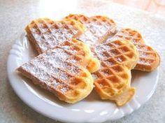 Joghurt Vanille Waffeln - Rezept Waffles de iogurte com baunilha Best Pancake Recipe Fluffy, Homemade Buttermilk Pancakes, Clean Eating Pancakes, Chocolate Chip Pancakes, Cake Chocolate, Brownie Desserts, Waffle Recipes, Pampered Chef, Snacks