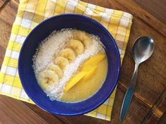 Čo takto prestriedať svoje obľúbené vločky stzv. smoothie bowl? Ide vlastne ohustejšie smoothie, ktoré nepijete zpohára, ale jete lyžičkou zmisky. Krásne si ho ozdobíte kúskami ovocia, semiačkami alebo orieškami a cereáliami. Pri pohľade na takéto raňajky je deň hneď krajší. Smoothie bowl si tiež môžete vychutnať ako dezert alebo olovrant plný energie pred cvičením. Potrebujeme: […]