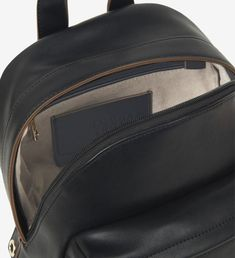 Trussardi Jeans Backpack 75B00894-9Y099999-K299  Γυναικείο σακίδιο πλάτης της συλλογής Άνοιξη – Καλοκαίρι 2020 του οίκου Trussardi Jeans. Κλείνει με φερμουάρ. Στο μπροστινό μέρος διαθέτει εξωτερική τσέπη. Στο εσωτερικό της περιλαμβάνει τσέπη που κλείνει με φερμουάρ. Το backpack είναι διακοσμημένο με το λογότυπο της εταιρείας από τρουκς.  Διαστάσεις: 24,5 x 29 x 13 cm #trussardi #trussardi_jeans #backpack #σακιδια_πλατης #bag #trussardi_bags #trussardi_backpack #trussardi_τσαντες #τσαντες… Jean Backpack, Sling Backpack, Backpacks, Jeans, Fashion, Moda, Fashion Styles, Backpack, Fashion Illustrations