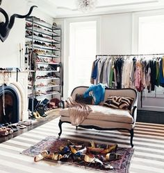 dedicate an entire room to clothes/shoes/accessories. yes, please.