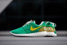 Nike Roshe One Retro Lucid Green/ Vivid sulfar - 819881-371