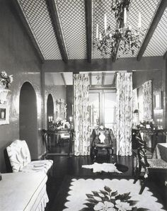 After All's card room, which was decorated with high-gloss green walls, panels of mirror, and Lady Mendl's favorite fern-pattern chintz. Courtesy of Hutton Wilkinson