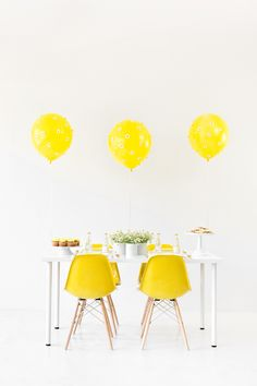 Mod daisy party via Studio DIY