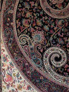 Black & Ivory Kani Shawl. Hand-Cut Wool. Rich Details. Jacquard Jamawar Stole | eBay