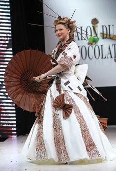 Cécile Bois, alias Candice Renoir sur France 2, magnifique dans cette robe asiatique ©DAVID SILPA/NEWSCOM/SIPA