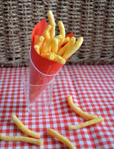 Looks like fries (but is chips) fun for a kids party! Looks like fries (but is chips) fun for a kids party! Party Co, Party Time, Unicorn Birthday Parties, Happy Birthday, Kids Meals, Oreo, Chips, Bakery, Good Food