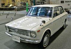 El Toyota Corolla ha sido desde 1966 el gran exito de la marca Japonesa. En 1977 el Toyota Corolla se volvió el coche más vendido de la historia por delante del Volkswagen Beetle con 39 millones de unidades vendidas a lo largo de 31 años.