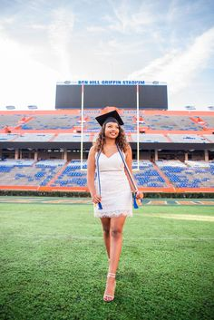 Graduation Photography, Senior Photography, Landscape Photography, Photography Ideas, Portrait Photography, Grad Pics, Graduation Pictures, Florida Gatora, Cap And Gown Pictures