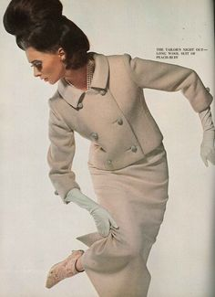 Look at the shoes! Sixties model Wilhelmina Cooper photographed by David Bailey for Vogue September Sixties Fashion, 60 Fashion, Fashion History, Retro Fashion, Fashion Models, Vintage Fashion, Womens Fashion, Sporty Fashion, Winter Fashion