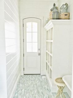 Paint Color by Benjamin Moore: OC-129 Alabaster