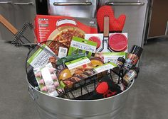 A Gift Idea for the Dad Who Likes to Grill – Gift Basket Ideas Gift Baskets For Men, Themed Gift Baskets, Raffle Baskets, Fundraiser Baskets, Bbq Gifts, Grilling Gifts, Cute Gifts, Silent Auction Baskets, Creative Gift Wrapping
