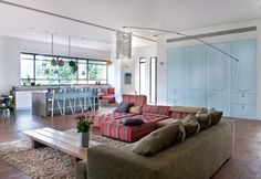 Beautiful interior E home designs. Beautiful interior design in bedroom house E for the children in touch with the outside through the patio, away from the eye, allowing a small step like a fish in water and have fun at home to relieve their parents.