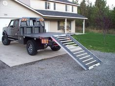 Flatbed Truck Beds, Dually Trucks, Old Ford Trucks, Old Pickup Trucks, Classic Chevy Trucks, Truck Flatbeds, Truck Mods, Truck Camping, Custom Truck Beds