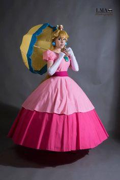 Princess Peach - mark II by ChameleonCosplay on DeviantArt Princess Daisy Costume, Princess Peach Cosplay, Super Mario Princess, Mario And Princess Peach, Mario Cosplay, Cosplay Diy, Diy Costumes, Costumes For Women, Modern Dance Costume