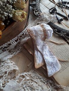 koronki, czepek. bonetka Lace Wedding, Wedding Dresses, Blog, Fashion, Bride Dresses, Moda, Wedding Gowns, Wedding Dress, Blogging